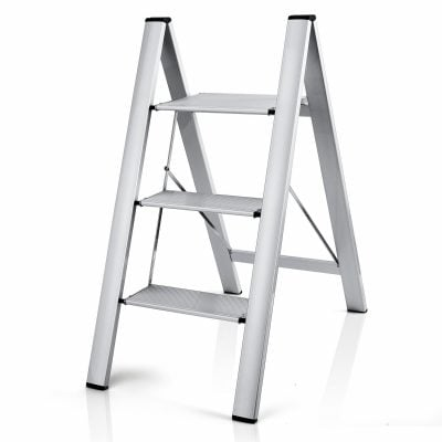 3-step step ladder that is foldable for easy storage.